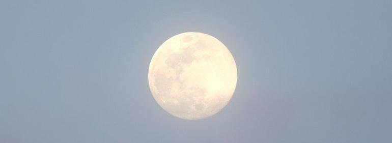 harvest full moon maui yoga cacao yin nidra